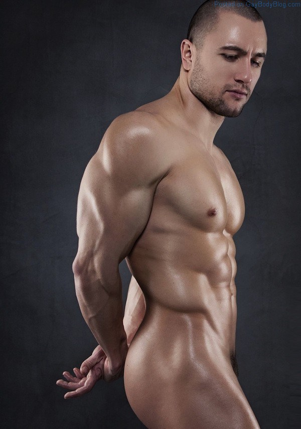 In-Lust-With-Hung-And-Uncut-Hunk-Kaloyan-Kolev-3