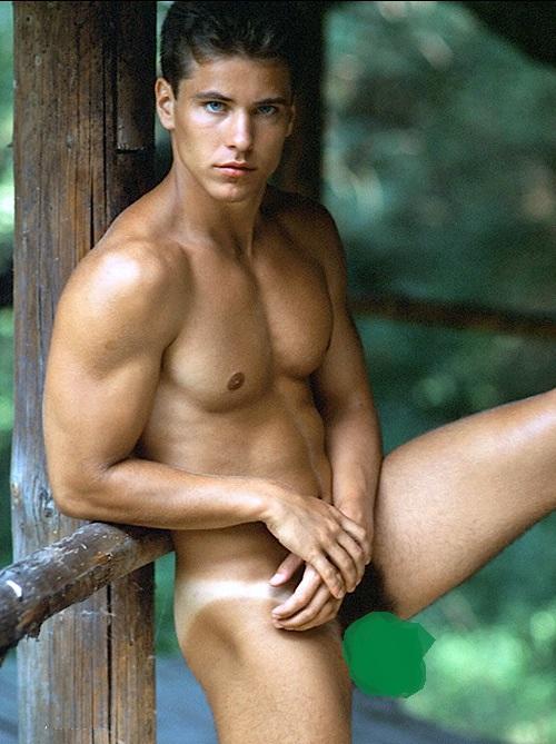 Lukas Ridgeston 1990s 72 5wmз