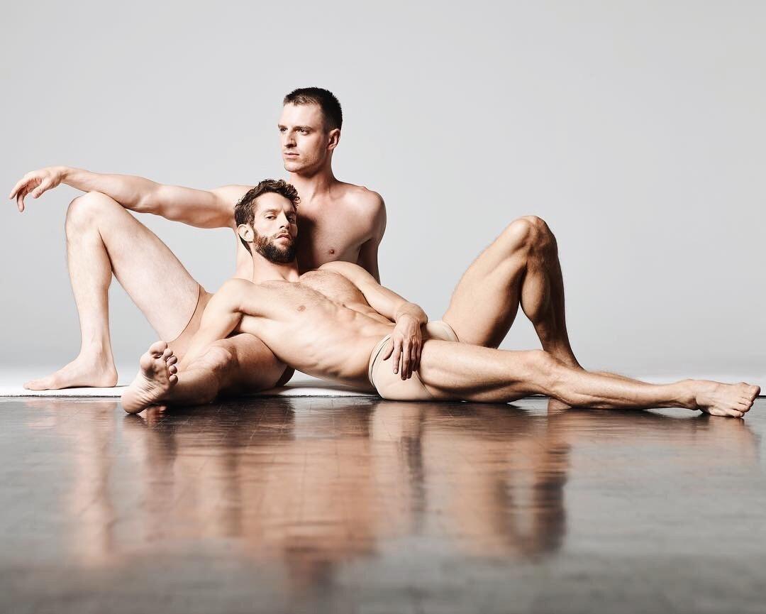 Gay nude dancer